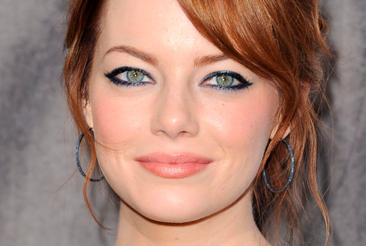 Emma Stone Eyeliner Teaser