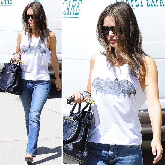 rachel-bilson-wearing-batman-shirt